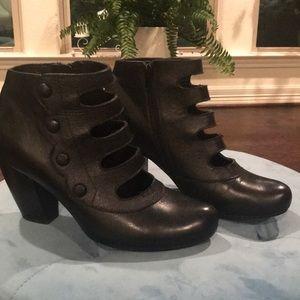 Miz Mozz NY City Black leather booties